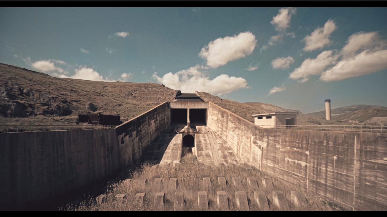 video au drone sur un barage abandonné en sicile